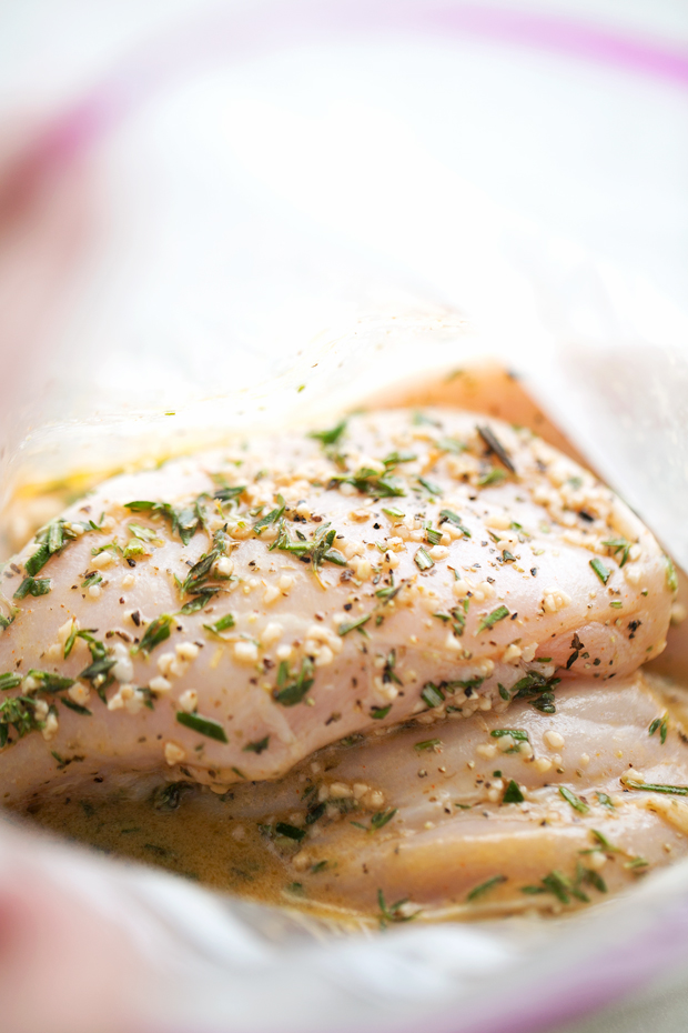 The Easiest Greek Grilled Chicken - 10 simple ingredients in this tender and juicy greek marinated chicken! Loaded with protein and perfect for meal prepping! #mealprep #grilledchicken #greekchicken #greekgrilledchicken   Littlespicejar.com