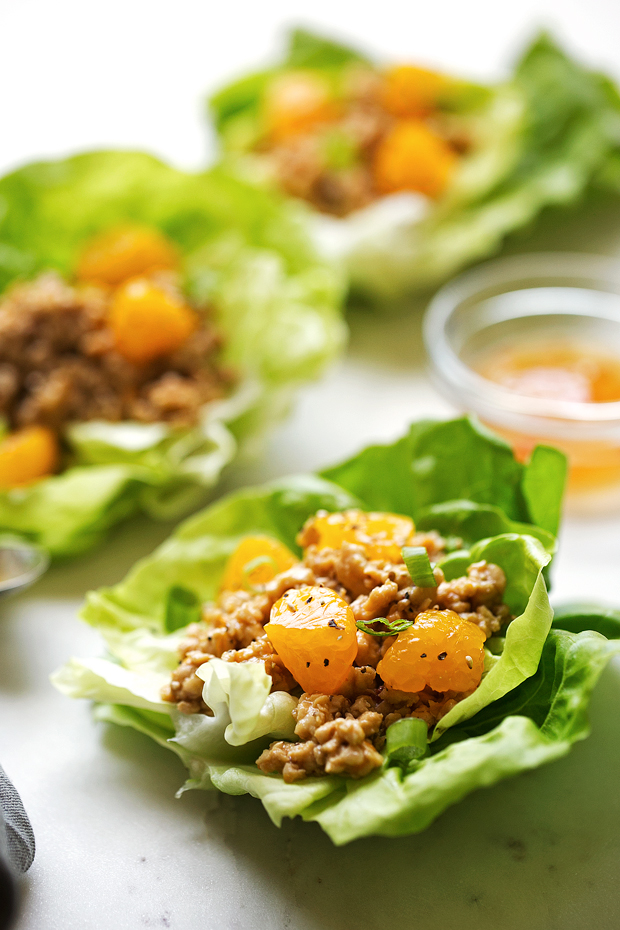 Orange Chicken Lettuce Wraps - orange chicken flavored filling in these protein packed lettuce wraps! Healthy, easy AND delicious! #mealprep #lettucewraps #orangechicken | Littlespicejar.com