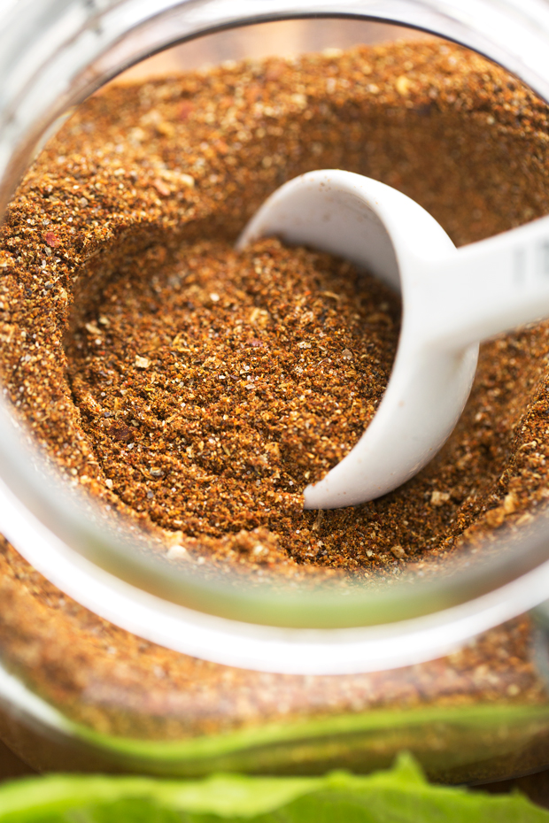Big Batch Homemade Taco Seasoning - Learn how to make taco seasoning at home with ingredients you already have in your pantry! #taco #tacoseasoning #seasoning #homemade | Littlespicejar.com