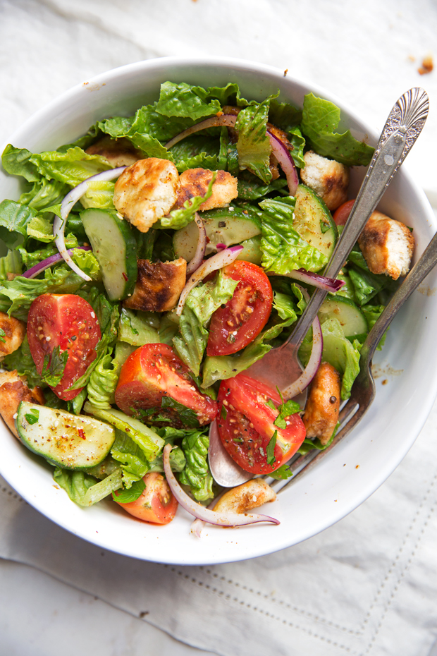 Lebanese Fattoush Salad with Lemon Pomegranate Dressing ...