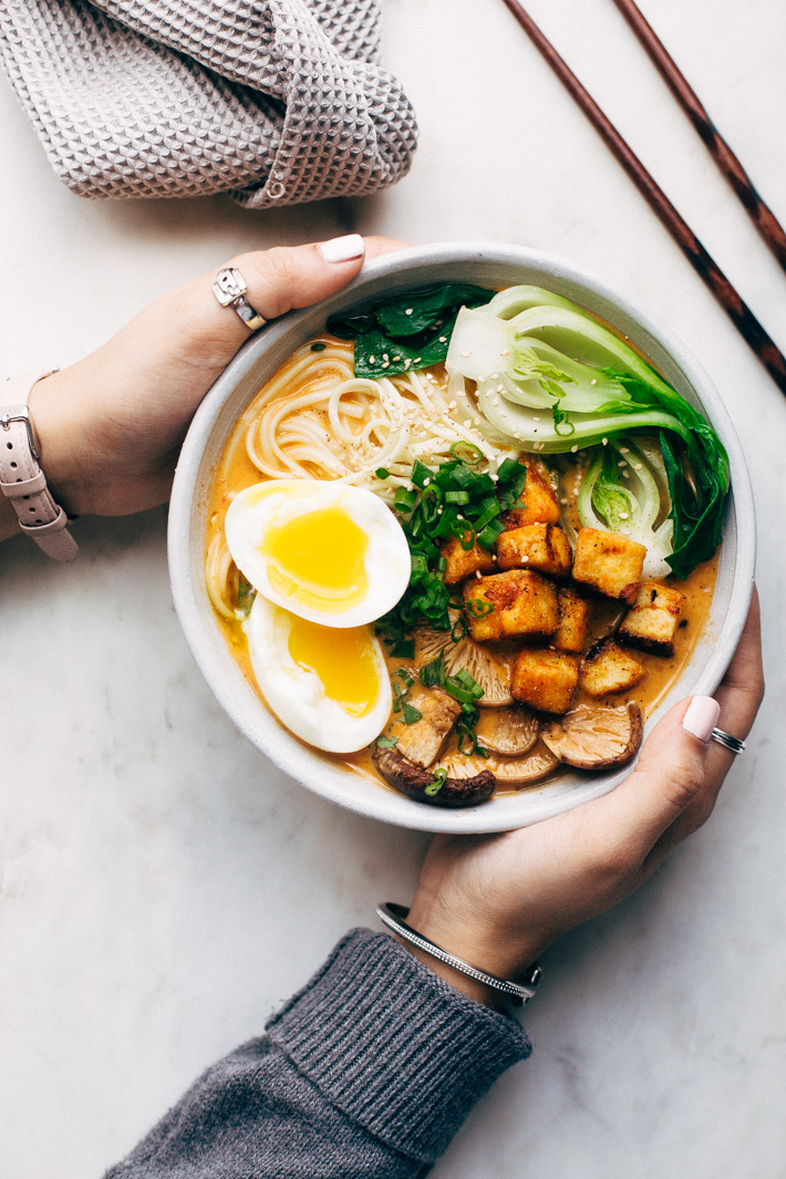 Spicy Curry Ramen with Tofu and Veggies