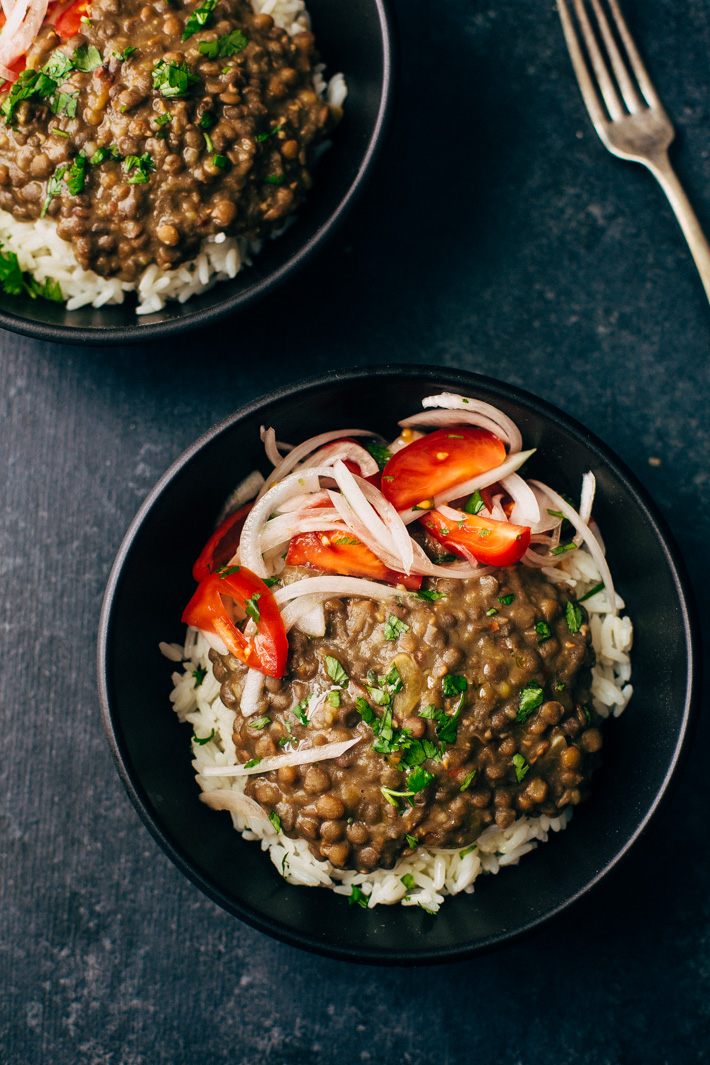 30 Minute Garlic Brown Lentil Dal - A quick dal made in the pressure cooker and flavored with sliced onions and garlic oil. This recipe is warm, hearty and filling! #lentils #dal #daal #indianfood   Littlespiecjar.com