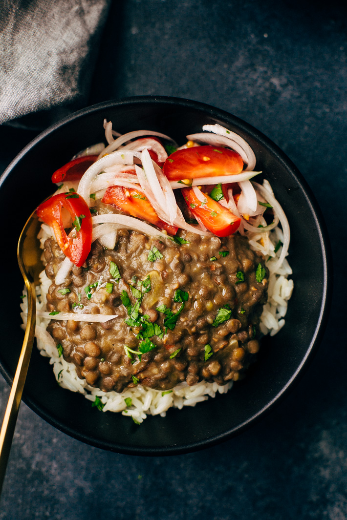 30 Minute Garlic Brown Lentil Dal - A quick dal made in the pressure cooker and flavored with sliced onions and garlic oil. This recipe is warm, hearty and filling! #lentils #dal #daal #indianfood | Littlespiecjar.com
