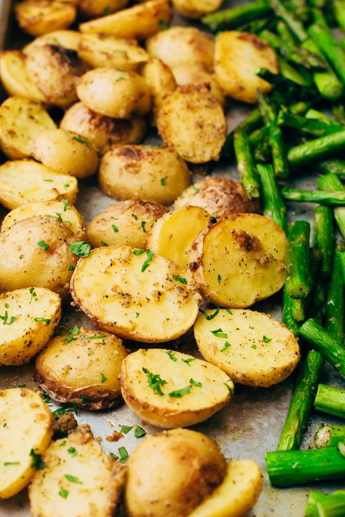 Sheet Pan Bruschetta Chicken with Potatoes and Asparagus - make a healthy, nutritious dinner all on one sheet pan! #bruschettachicken #roastedchicken #chickenbreast #bruschetta   Littlespicejar.com