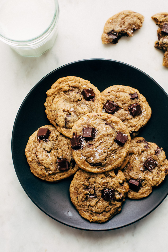 crinkle chocolate chip cookies on a plate on white marble surface