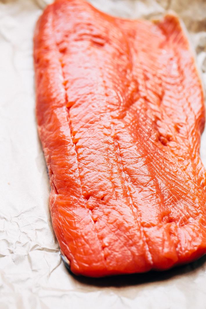 Crunchy Garlic Lemon Pepper Salmon Recipe - an easy weeknight friendly salmon recipe that has a crunchy panko crust on top! Healthy and delicious! #bakedsalmon #lemonpeppersalmon #roastedsalmon #breadedfish   Littlespicejar.com