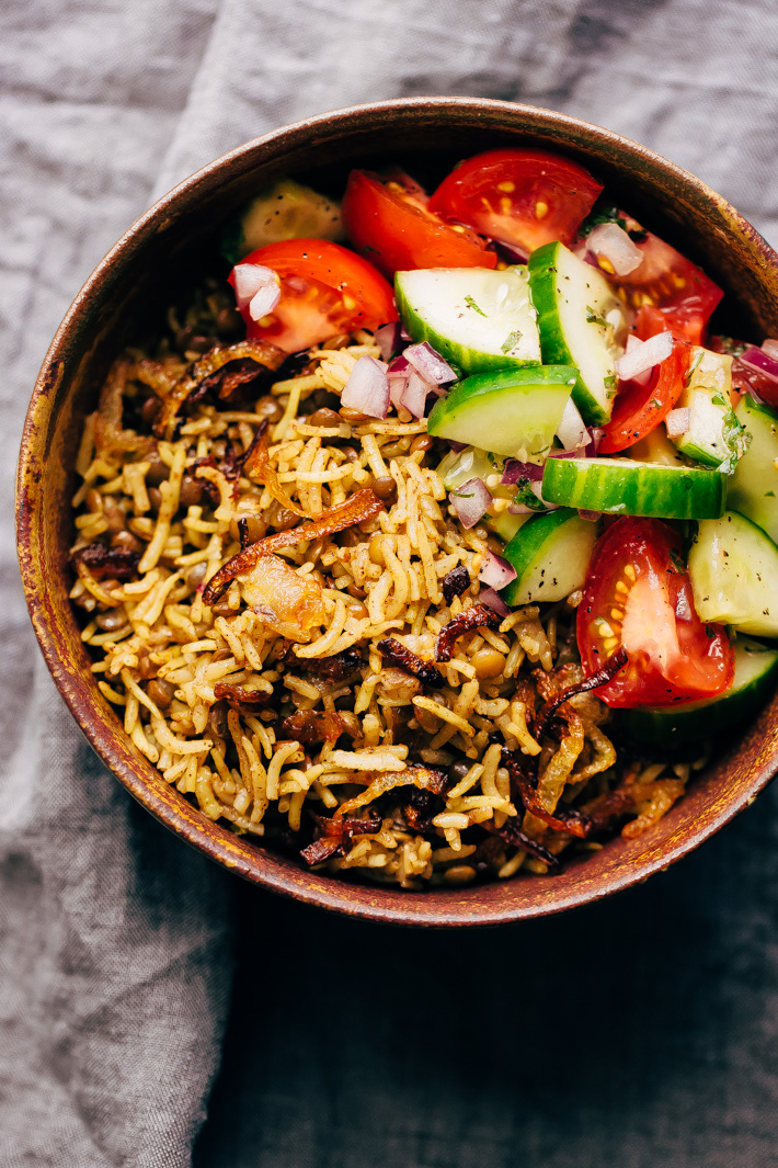 Lentil Rice Pilaf with Caramelized Onions (Mujadara) - this simple lentils and rice recipe is great as a main course or as a side for holidays! #mujadara #lentilricepilaf #lebanesericepilaf #ricepilaf #pilaf   Littlespicejar.com