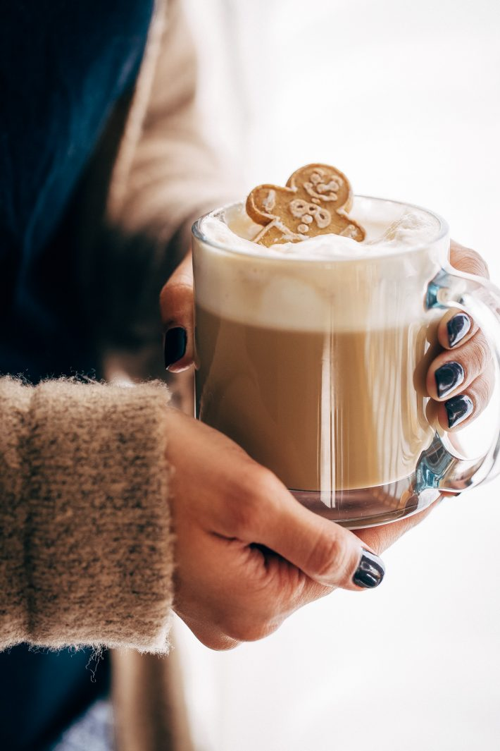 Cozy Homemade Gingerbread Latte - Learn how to make a gingerbread latte at home with simple ingredients! #gingerbreadlatte #latte #homemadelatte #gingerbreadsyrup | Littlespicejar.com