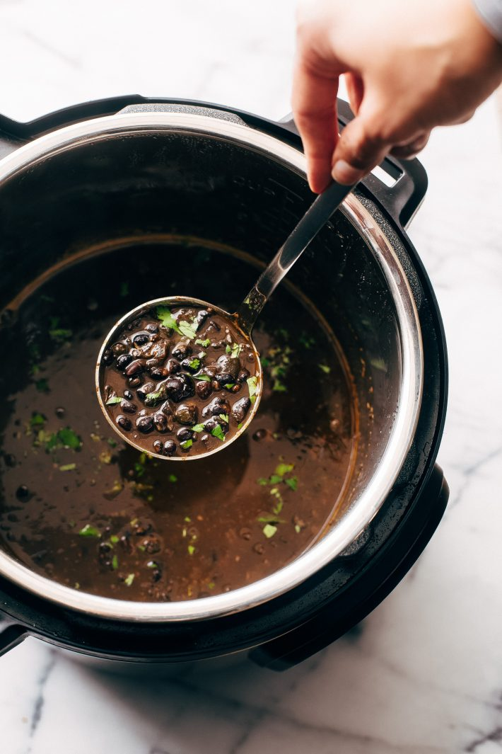 Instant Pot Easy Detoxing Black Bean Soup - a super simple homemade soup made in the pressure cooker! Great for bagged lunches because it's better as it sits! #spicyblackbeansoup #blackbeansoup #detoxsoup #detoxingsoup | Littlespicejar.com