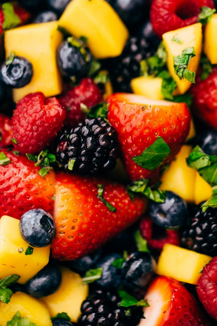 Glowing Berry Fruit Salad - an easy fruit salad that you can bring to picnics, barbecues, brunches and so much more! #fruitsalad #berrysalad #berryfruitsalad #picnic #salad   Littlespicejar.com