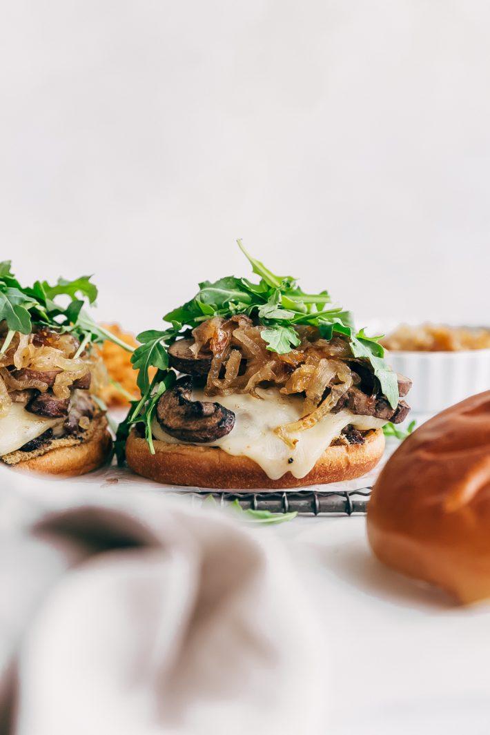 Rockin' Sweet Onion Mushroom Swiss Burgers - learn how to make the best mushroom Swiss burgers with sweet sautéed onions on top! You're really going to love these!! #mushroomburgers #mushroomswissburgers #swissmushroomburgers #burgers #grilling| LIttlespicejar.com