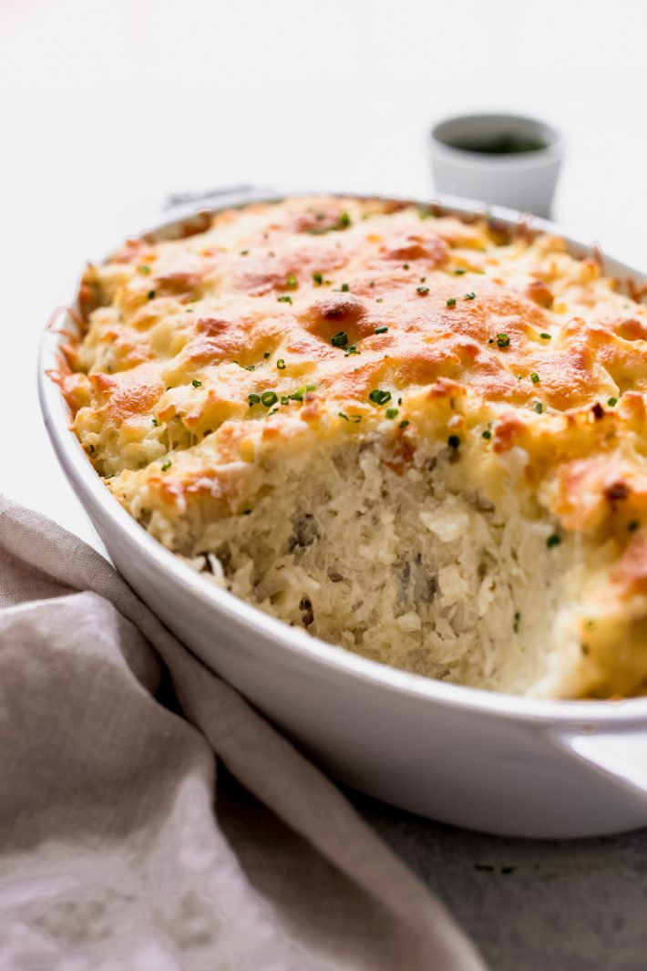 Twice Baked Potato Casserole (Potatoes Romanoff) - Turn regular old baked potatoes into something else special! This is sure to be a hit at Thanksgiving! #potatoesromanoff #twicebakedpotato #twicebakedpotatocasserole   Littlespicejar.com