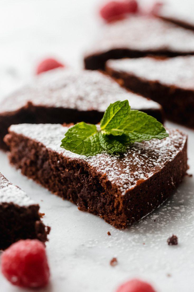 Flourless Chocolate Cake (Caprese Cake)