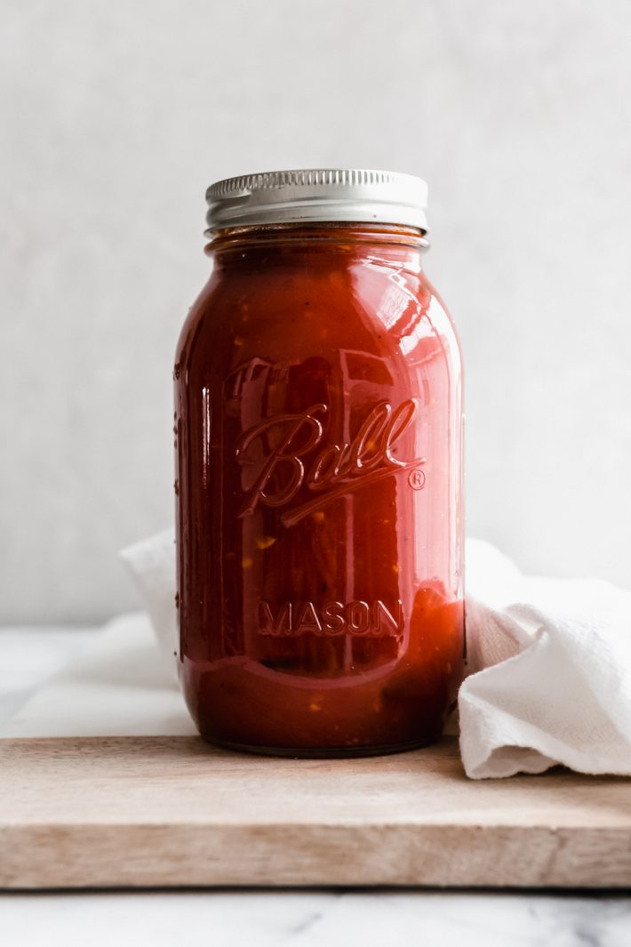 Best Ever Arrabbiata Sauce - my homemade arrabbiata sauce is so delicious you'll make it regularly! Tons of ways to serve this and it freezes beautifully! #arrabbiatasauce #homemadesauce #italiansauce #tomatosauce #tomatosaucerecipe #saucerecipe   Littlespicejar.com