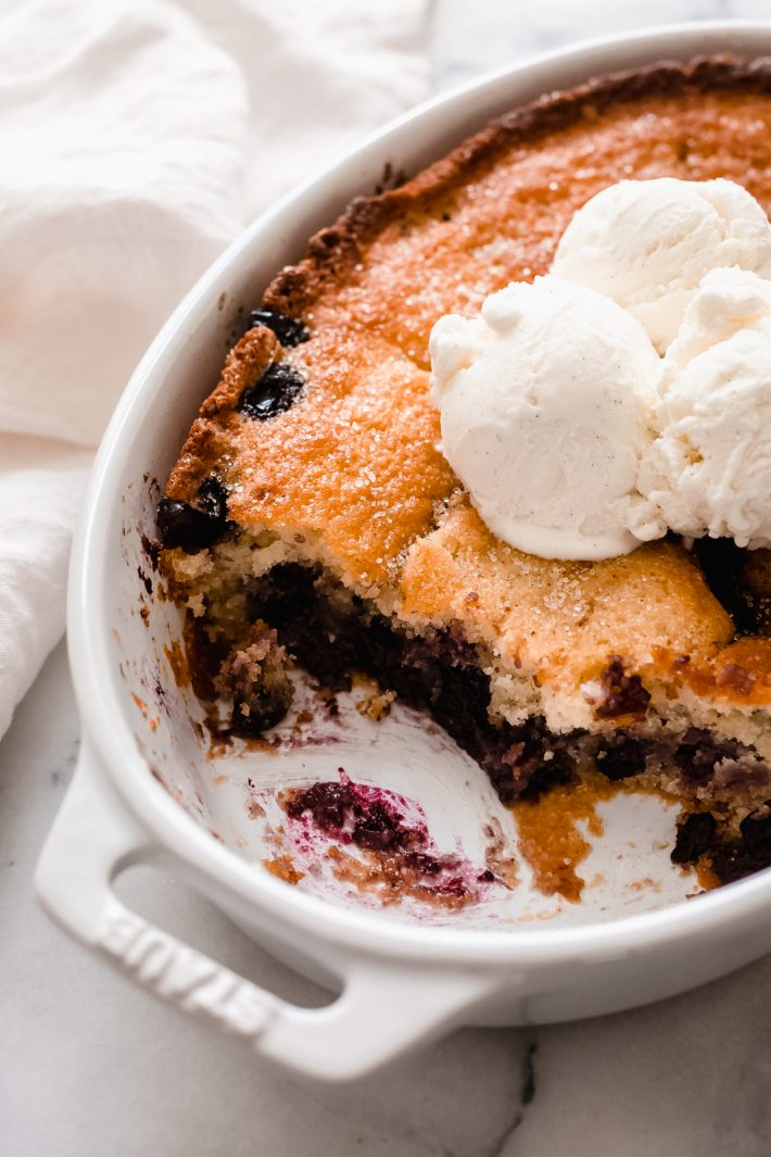 Easy Texas Blueberry Cobbler - Learn how to make the easiest blueberry cobbler that takes just 10 minutes to prep and you only need 10 ingredients! #easydesserts #cobbler #easycobbler #dessert #dessertrecipe #easterdesserts #warmdesserts #blueberrycobbler #texascobbler | Littlespicejar.com