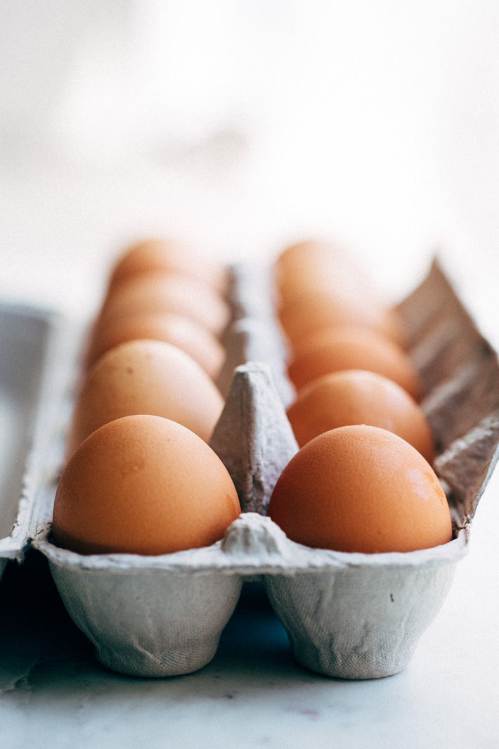 picture of eggs in carton
