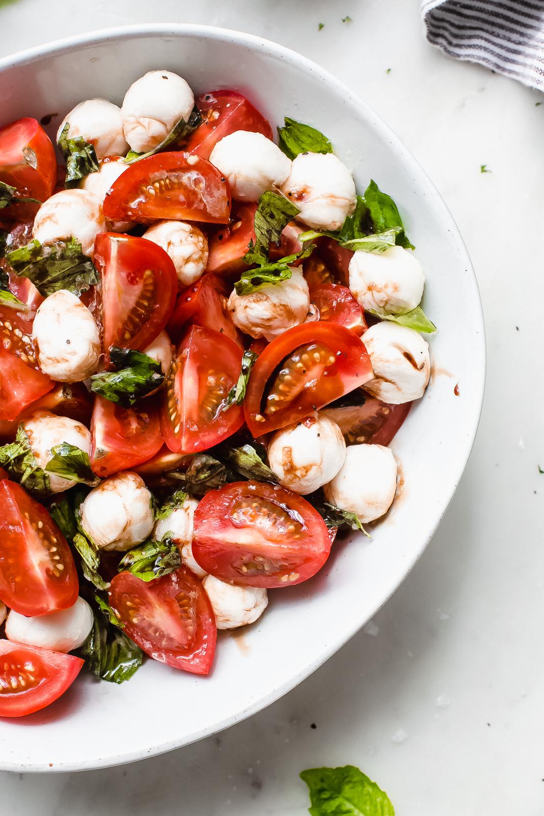 17+ Marinated Mozzarella Tomato Salad Recipe   Little Spice Jar Bilder