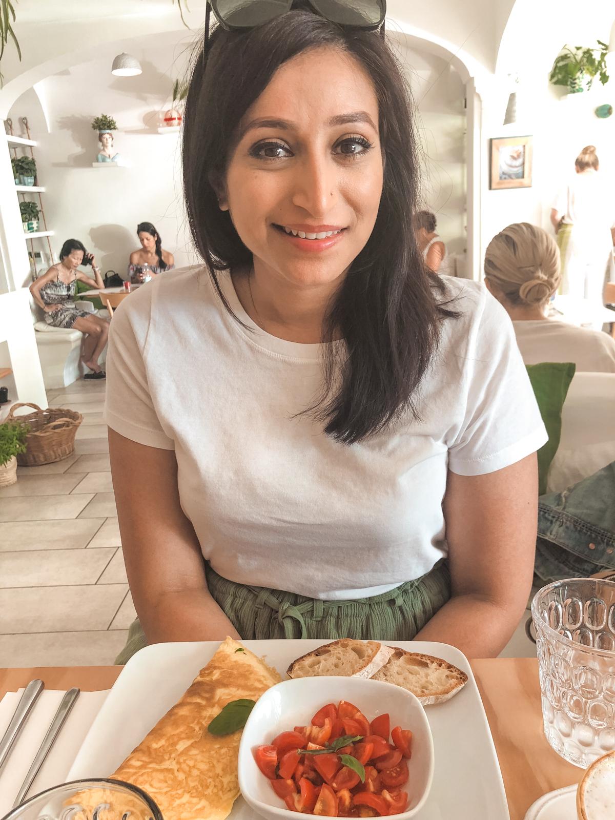 me with my breakfast inside casa e bottega restaurant