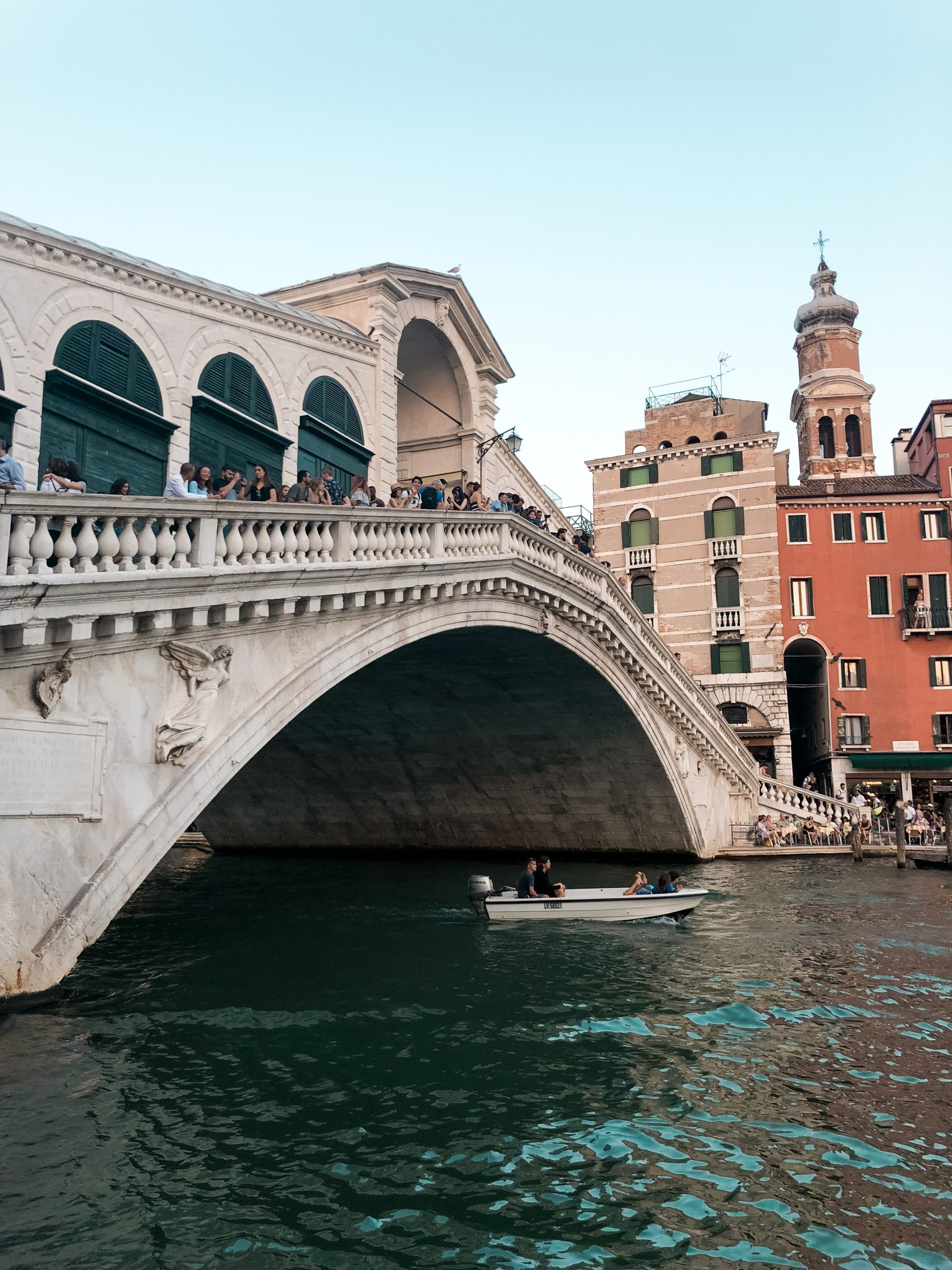 A picture of the Rialto bridge from an angle