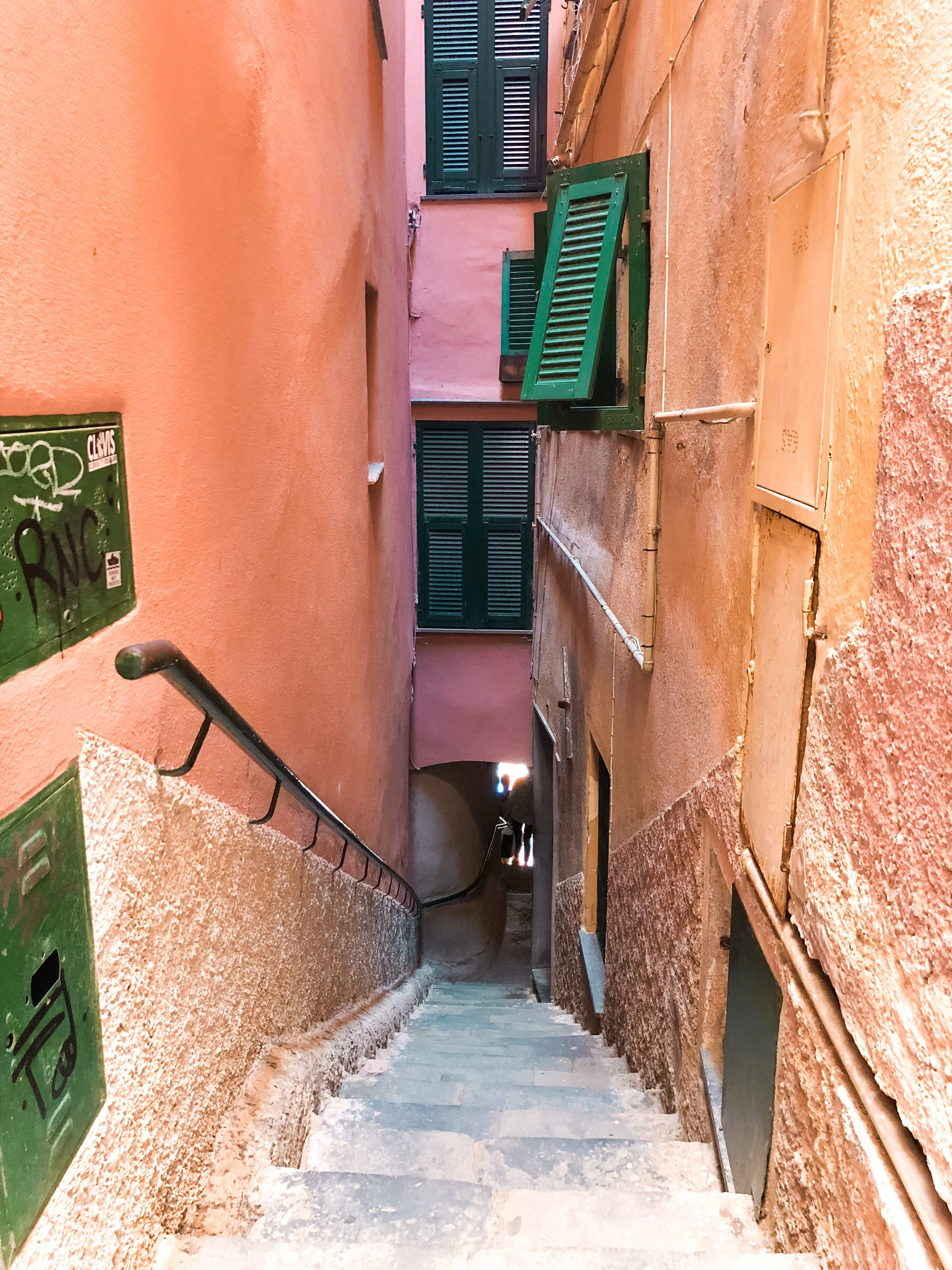 alleyways that take you up to a hike on Vernazza