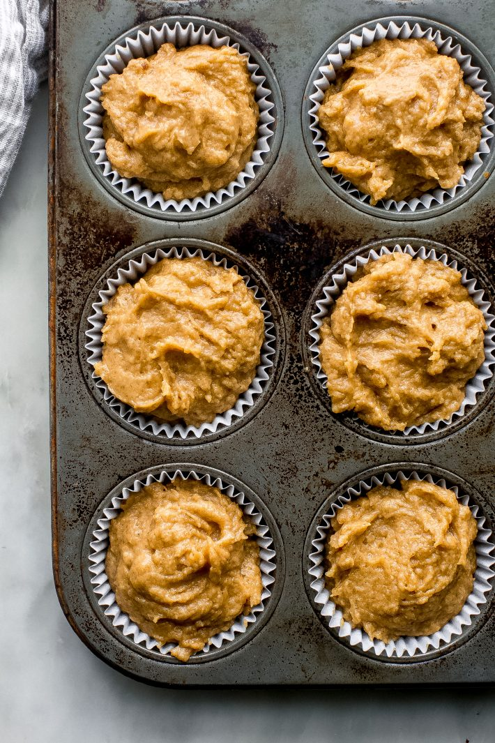Pumpkin Snickerdoodle Muffins - everything you love about snickerdoodle cookies and pumpkin muffins smushed together into one! Tender and so delicious with a cup of coffee in the fall! #pumpkinmuffins #bestpumpkinmuffins #pumpkinrecipes #fallbakingrecipes #fallbaking #snickerdoodle   Littlespicejar.com
