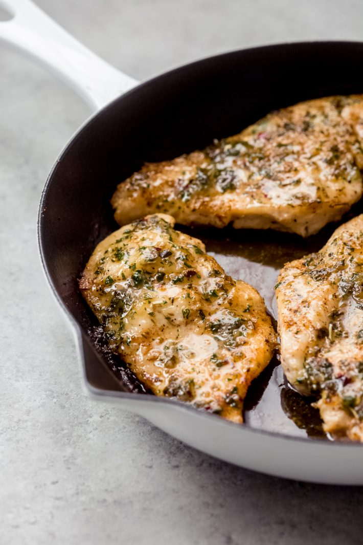 Garlic Butter Baked Chicken Breasts - The easiest way to roast chicken breasts are you can use them with salads, in pasta, or even on the side with mashed potatoes and roasted veggies! #easychickendinners #chickendinner #chickenrecipes #easychickenrecipes #garlicbutterbakedchicken #bakedchicken | Littlespicejar.com