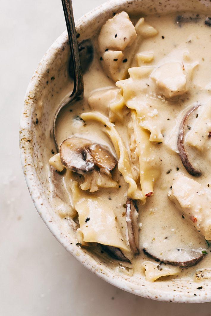 Roasted Garlic White Chicken Lasagna Soup