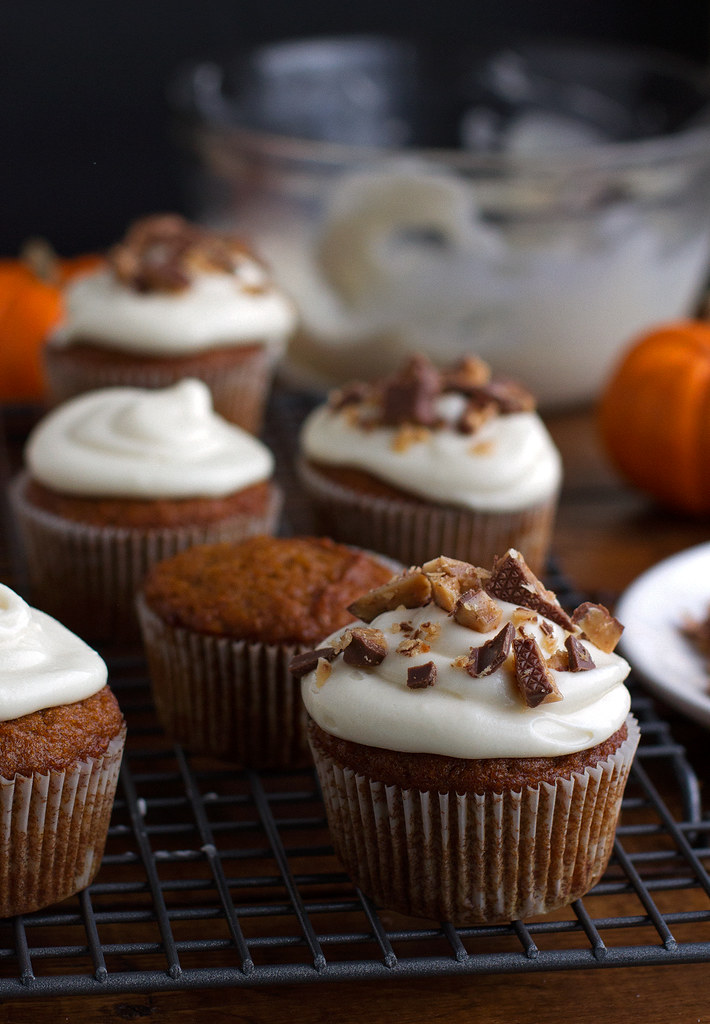 Moist Pumpkin Cupcakes with Maple Cream Cheese Frosting