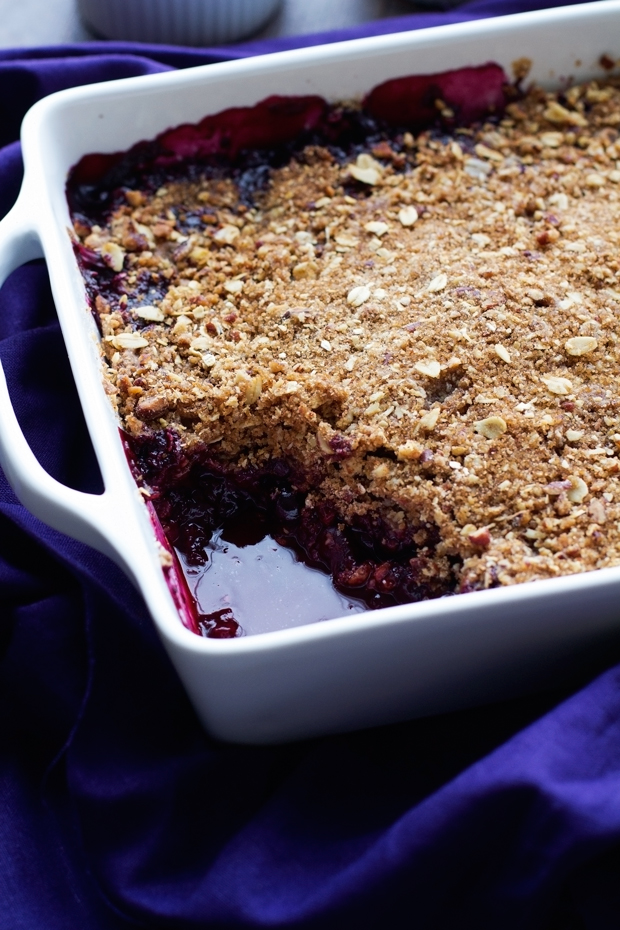 Blueberry Crisp with Oats and Pecans