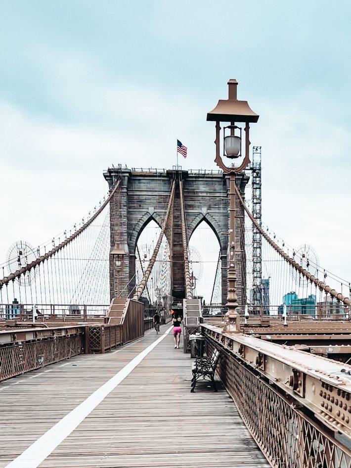 cloudy day at the Brooklyn Bridge